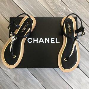 CHANEL Chain Link T-strap Thong Sandal Size 6, 37